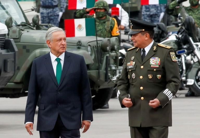 López Obrador y Luis Sandoval