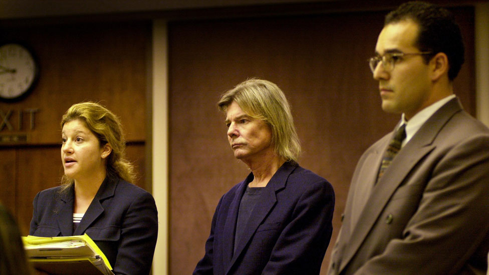 Jan-Michael Vincent (centre) appears in court in July 2000