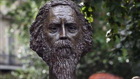 Bust of Rabindranath Tagore in Gordon Square
