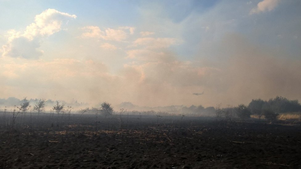 Large grass fire near Heathrow Airport extinguished