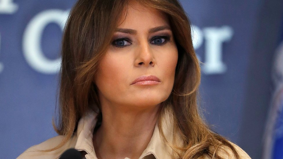 Niños migrantes reciben visita de la primera dama Melania Trump