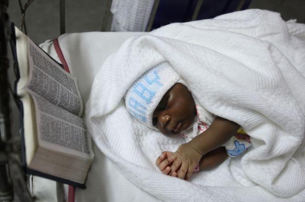 يتمتع خمسة بالمئة فقط من السكان في نيجيريا بتأمين صحي