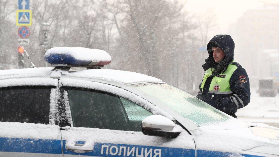 Мать мальчика, ночевавшего в московском парке, пока не стали арестовывать