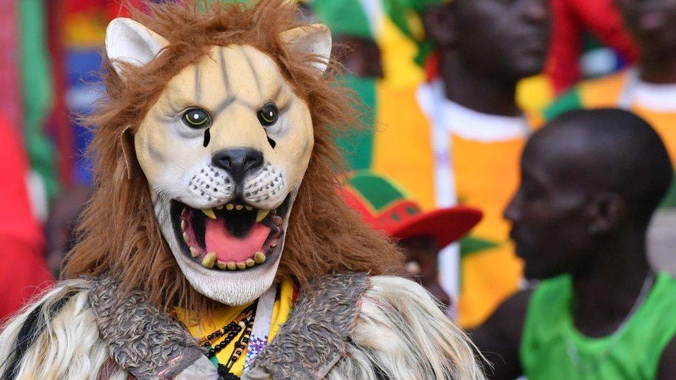 """يلقب المنتخب السنغالي بـ """"اسود التيرانغا"""""""