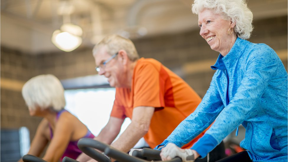 Dementia exercise programmes 'don't slow brain decline'