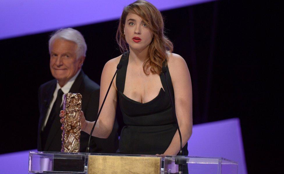 هانل بعد حصولها على جائزة سييزار عام 2014