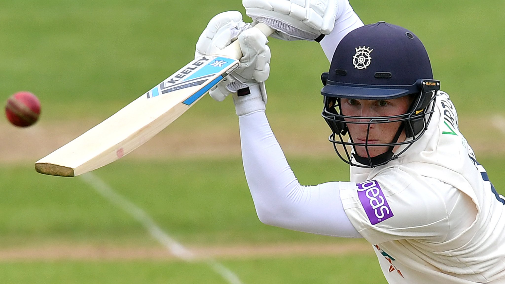 County Championship: Hampshire pile pressure on Nottinghamshire