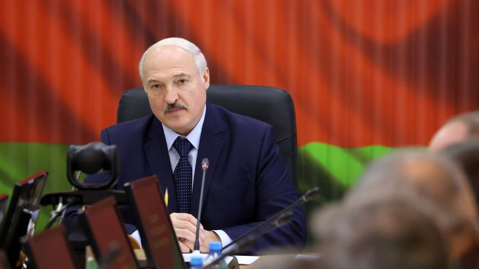 President Alexander Lukashenko holds a meeting in the Strategic Management Centre of the Belarusian Defence Ministry