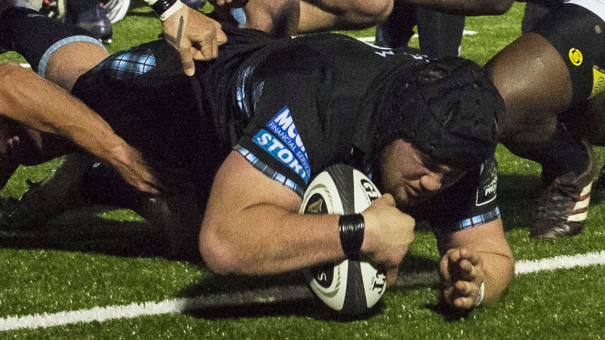 Pro14: Glasgow Warriors 'love' artificial pitch despite Scarlets criticism