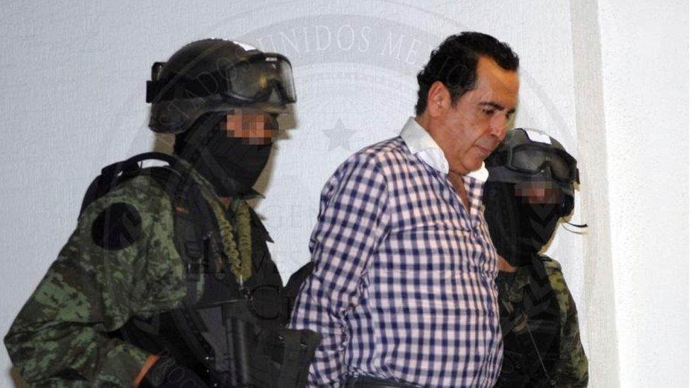 كان هيكتور بيلتران ليفا قد اعتقل في أكتوبر/تشرين الثاني 2014، وكان يدّعي أنه تاجر أعمال فنية