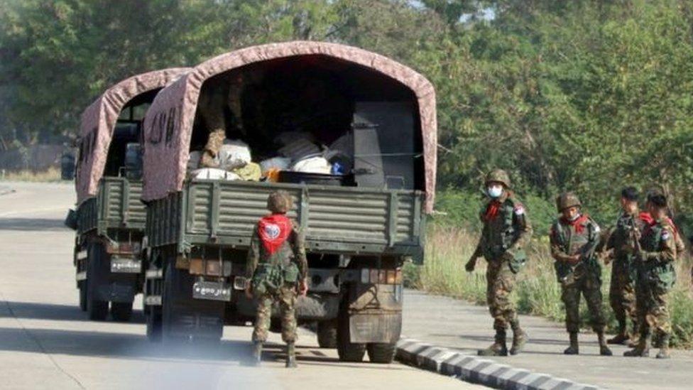 الجيش في شوارع عاصمة ميانمار