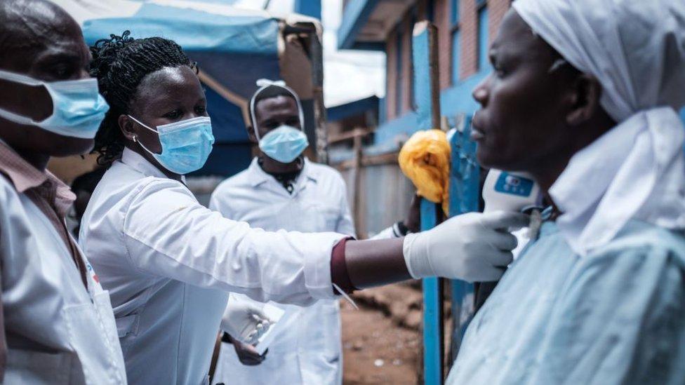 Ebola salgını sırasında alınan dersler, koronavirüse karşı da uygulanıyor.
