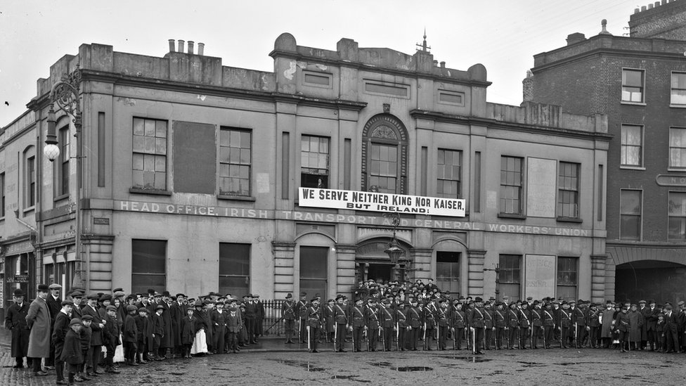 The Irish Citizen Army, a socialist militia, led by James Connolly also played an important role in the rising