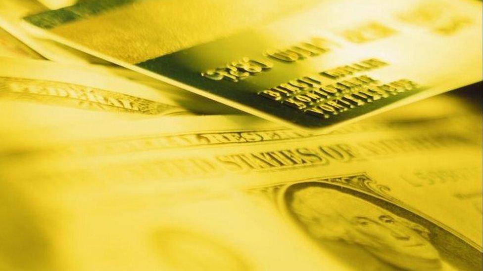 Kreditna kartica i gotovina