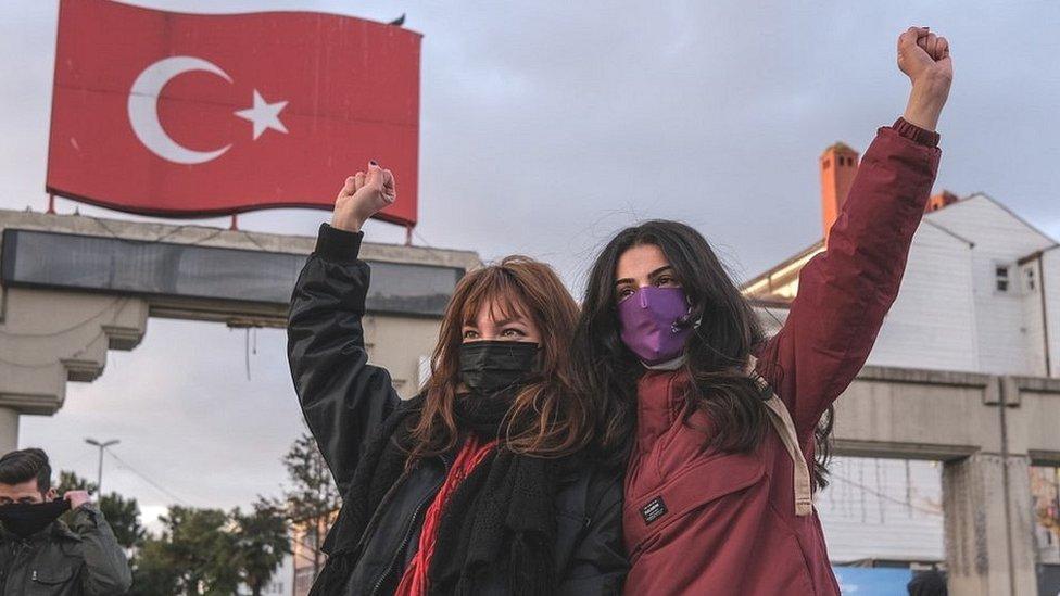 Turkish men and english women