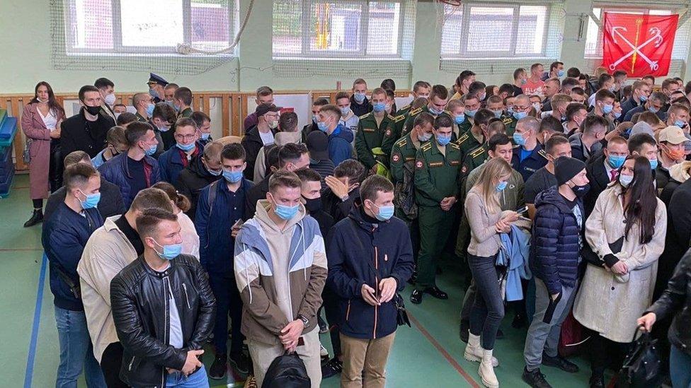 Первый день выборов в России: миллион на электронном голосовании и Путин среди них