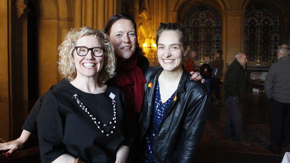 Lisa Heledd Jones, Robyn Woolston a Joanna Wardrop