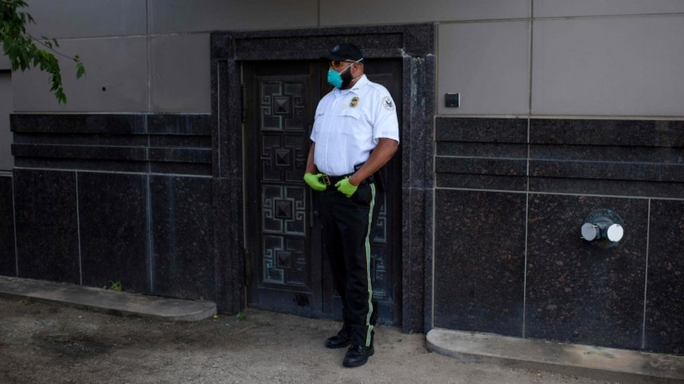 US official outside the former Chinese consulate in Houston, 24 July 2020