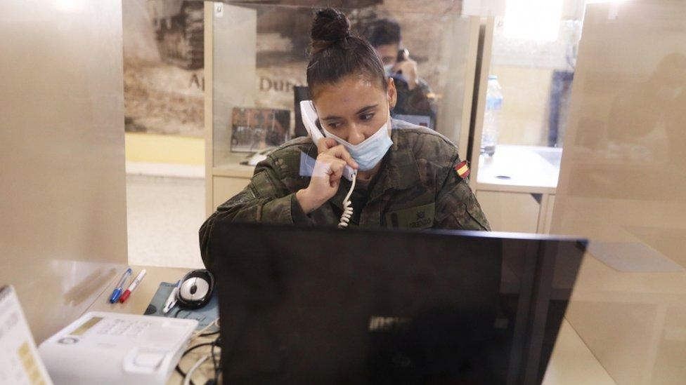 西班牙軍方參與了新冠接觸追蹤系統的運作,以緩解人手不足問題
