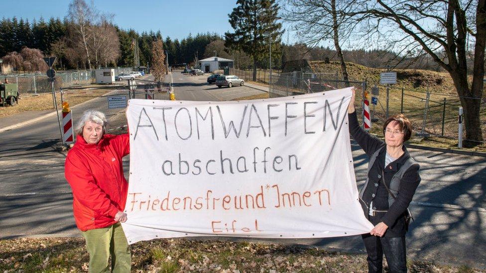 La base aérea Büchel, en Alemania, también alberga bombas nucleares B61.