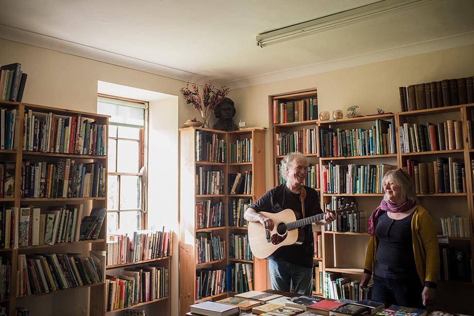 Booksellers Ian and Joyce Cochrane