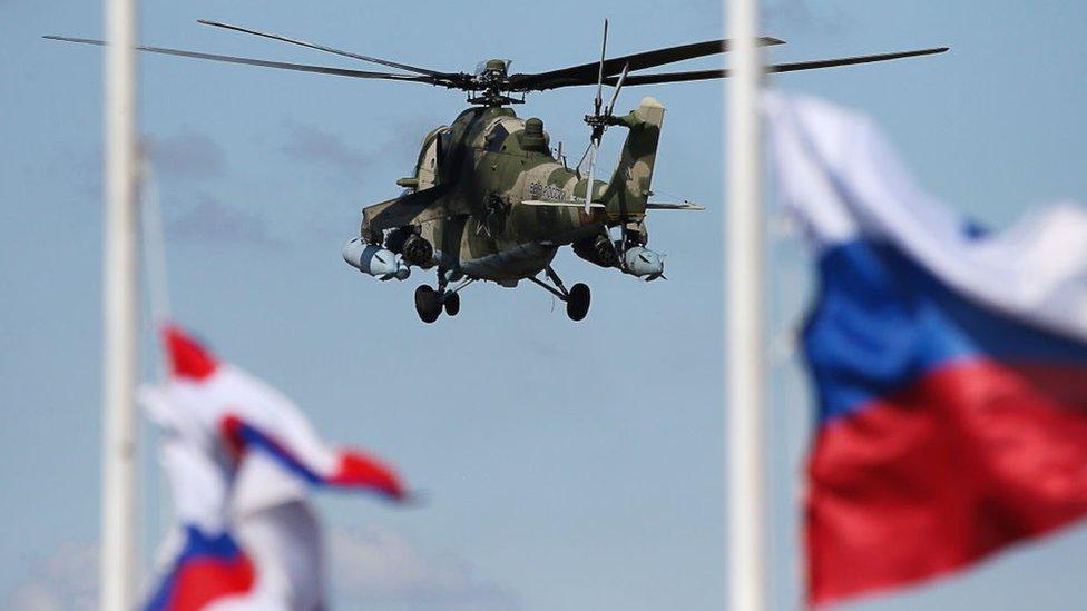 Rus askeri birlikleri, Kırım'da tatbikat yapıyor.