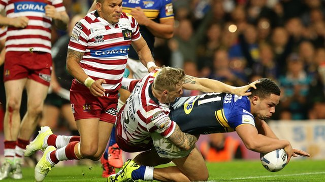 Super League Grand Final: Leeds Rhinos pip Wigan Warriors