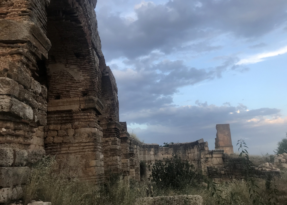 The ruined cathedral in Hah