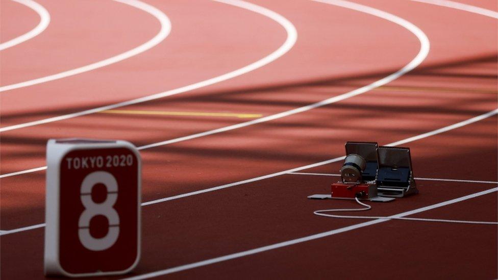 8月2日,齊馬努斯卡婭缺席女子200米賽事,沒有出現在起跑線上。