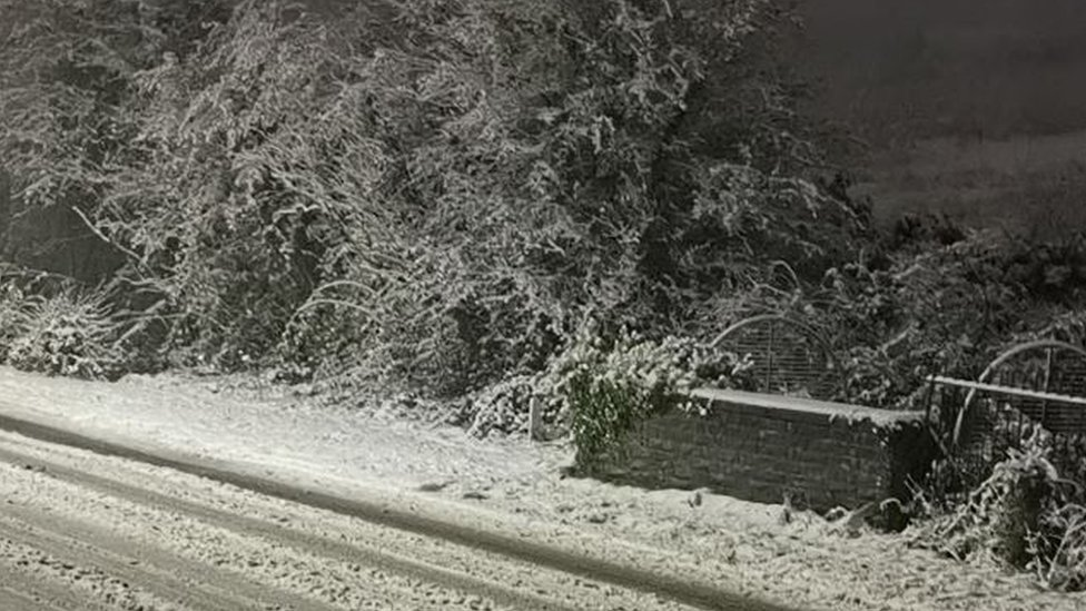 Snow on Hirwaun Road