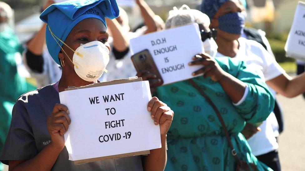 Personal sanitario en Sudáfrica demanda más medios