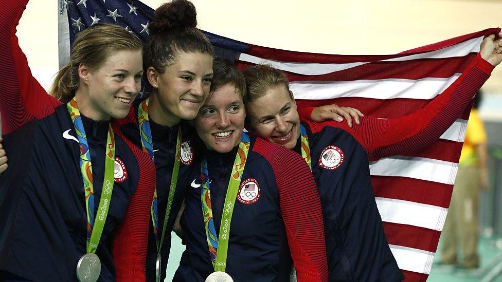 El equipo de persecución de Estados Unidos.