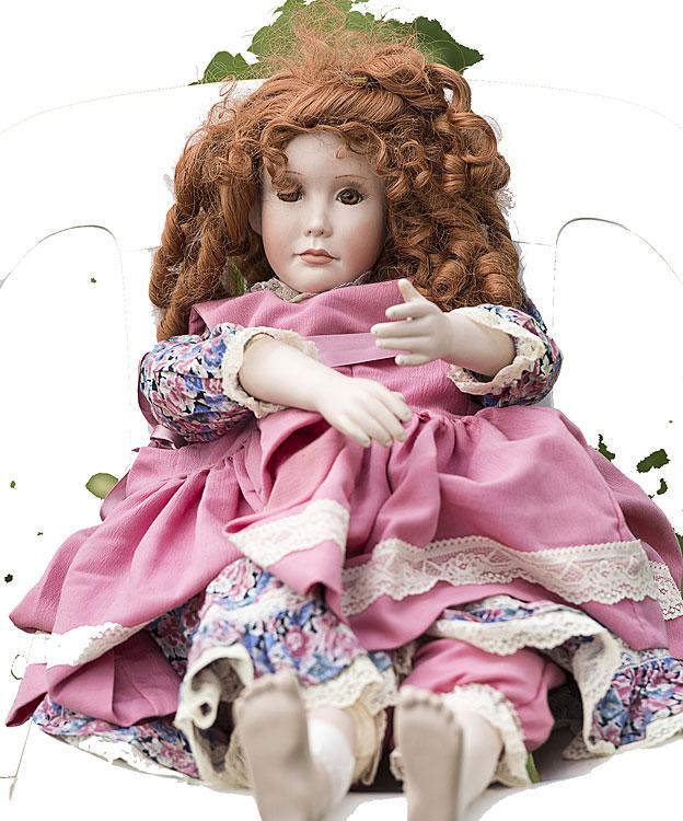 Muñeca vestida de rosado