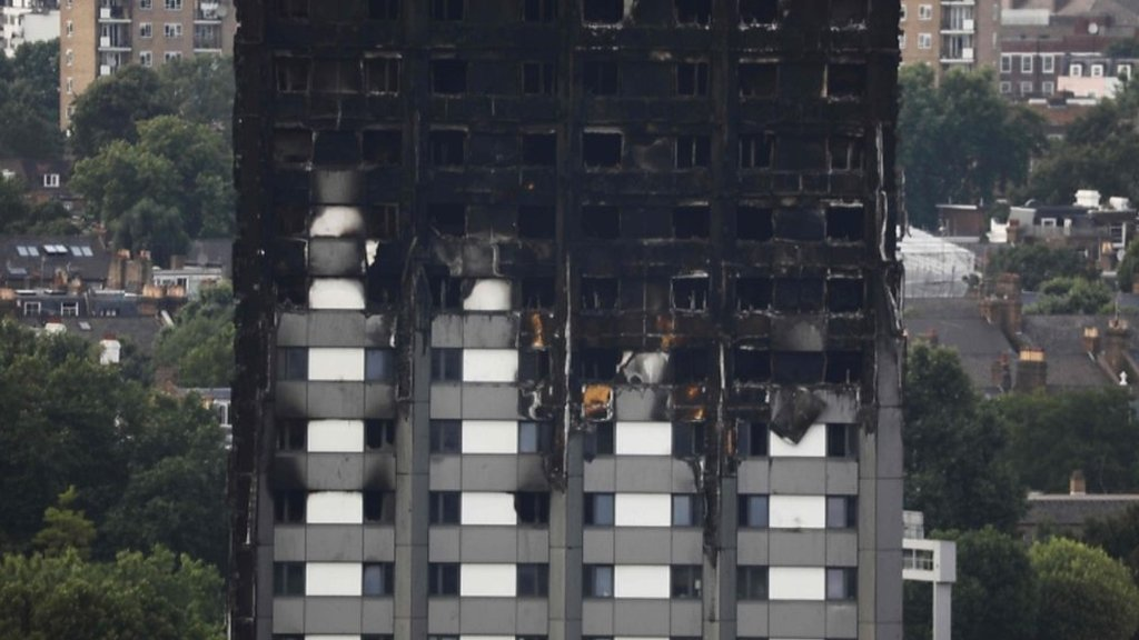 Grenfell Tower: Audio of first 999 call