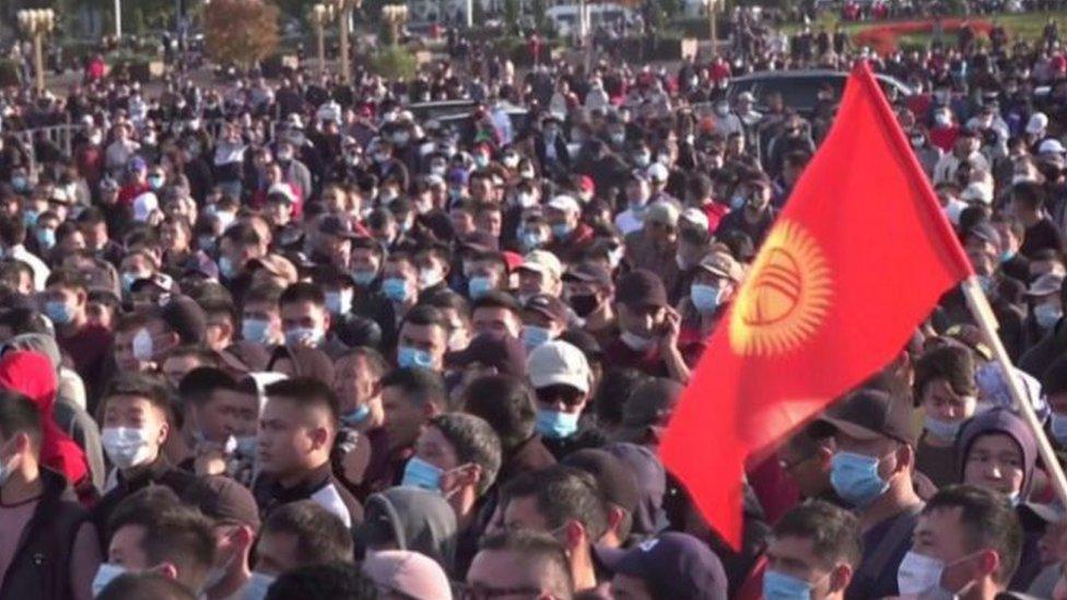 شارك الآلاف في الاحتجاجات على نتائج الانتخابات