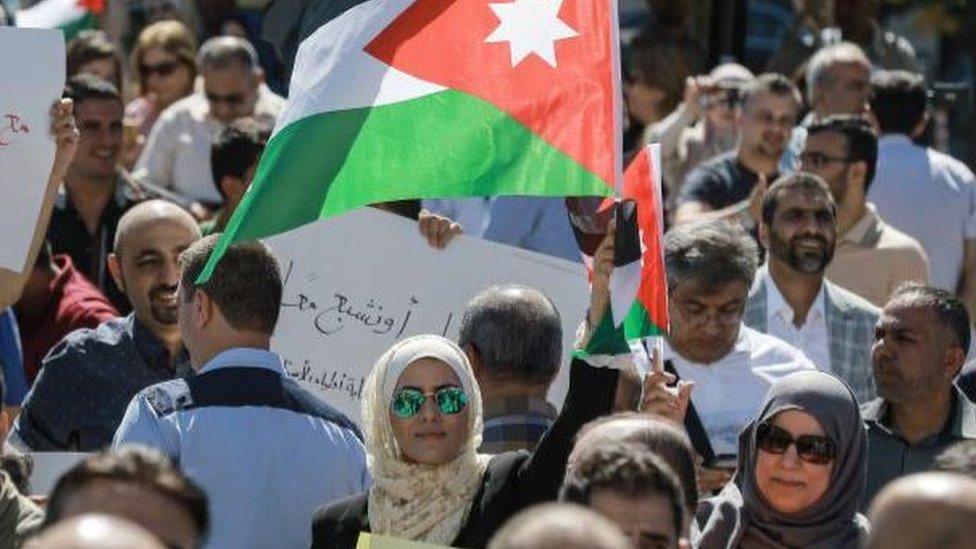 السلطات الأردنية تعتقل عشرات المعلمين وهيومن رايتس ووتش تعلق