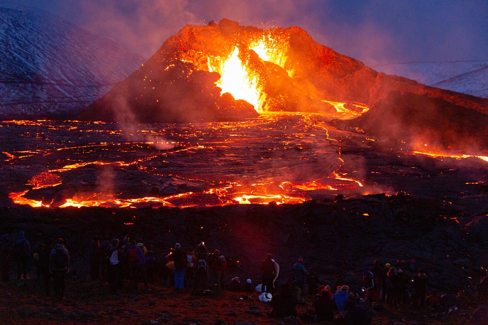 بركان بالقرب من العاصمة الإيسلندية ريكيافيك