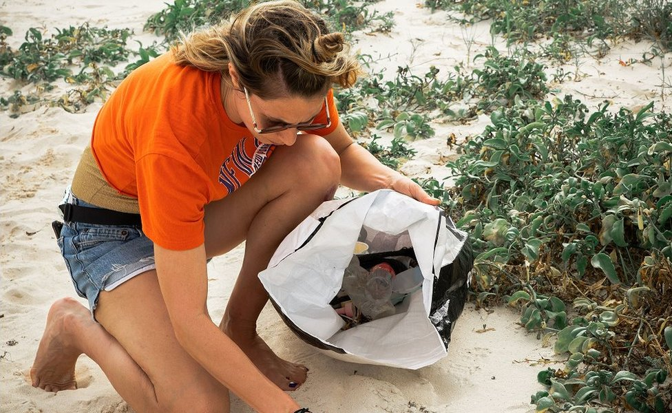 Vivie-Ann doing a beach clean