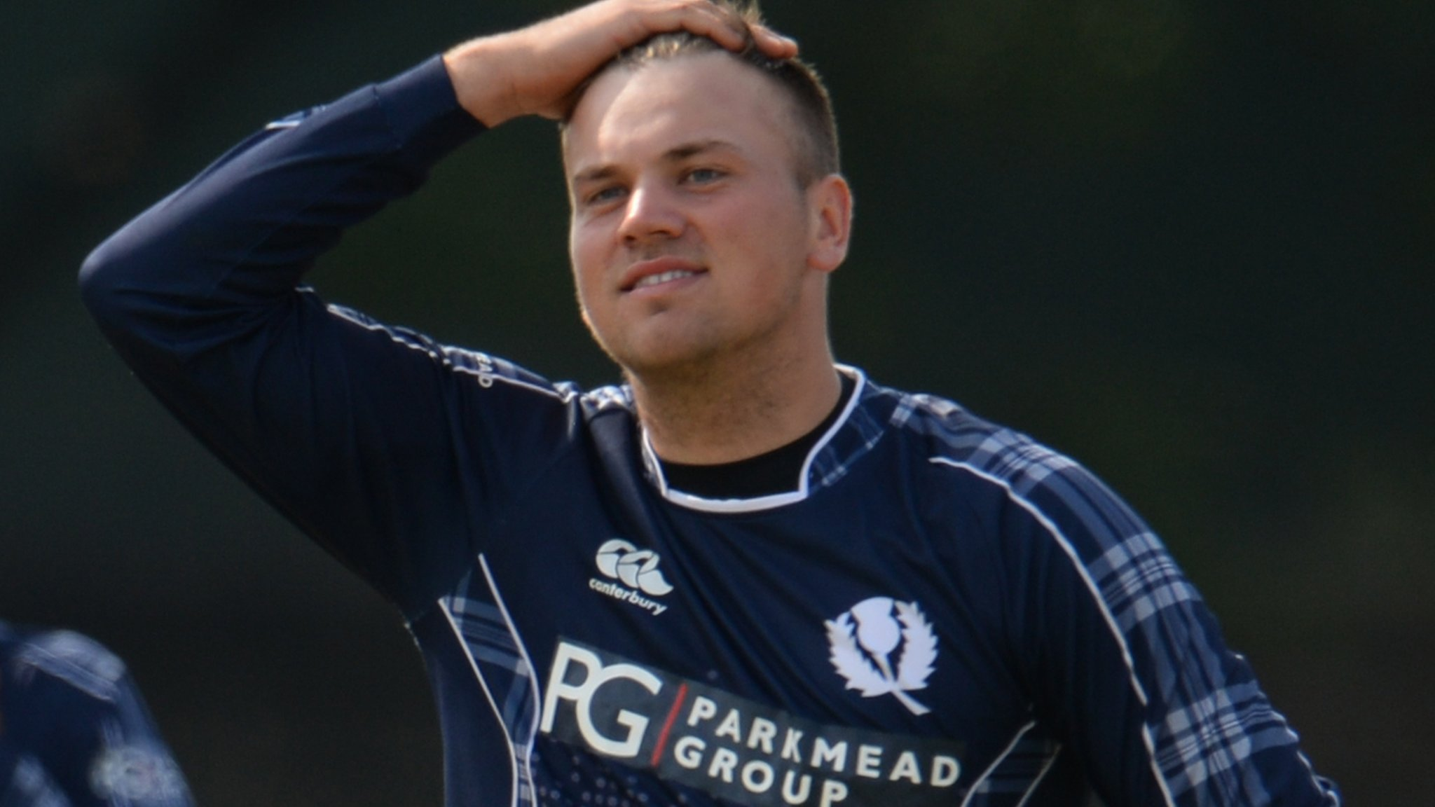 Mark Watt: Derbyshire sign Scotland international spinner