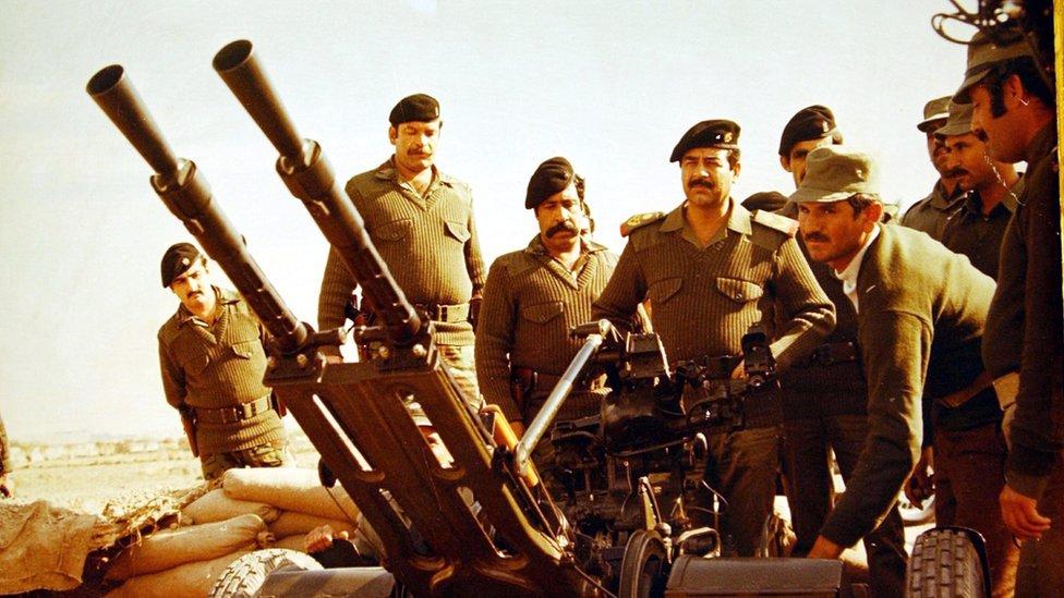 صدام حسين على الجبهة