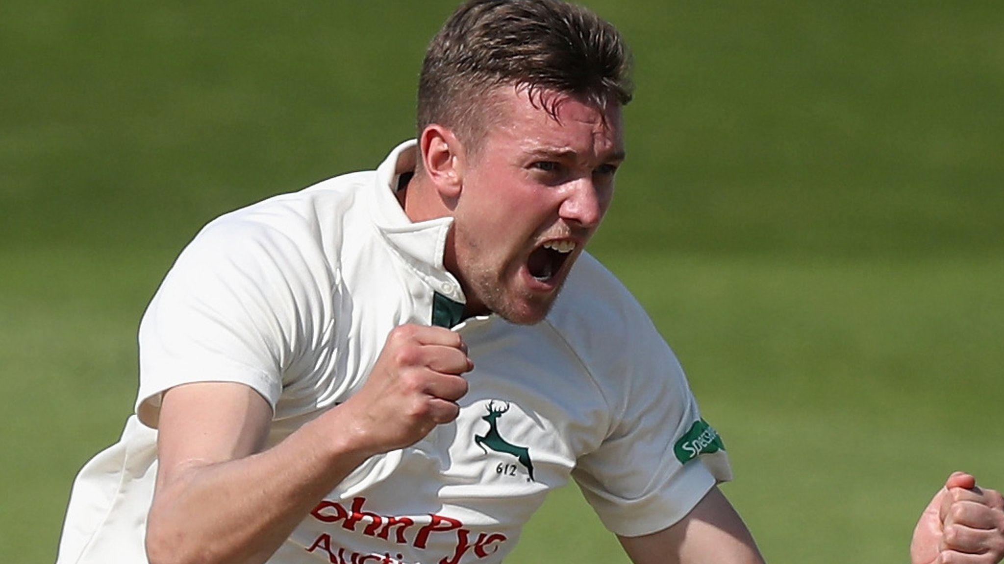 Jake Ball: England seamer extends Nottinghamshire deal until 2021