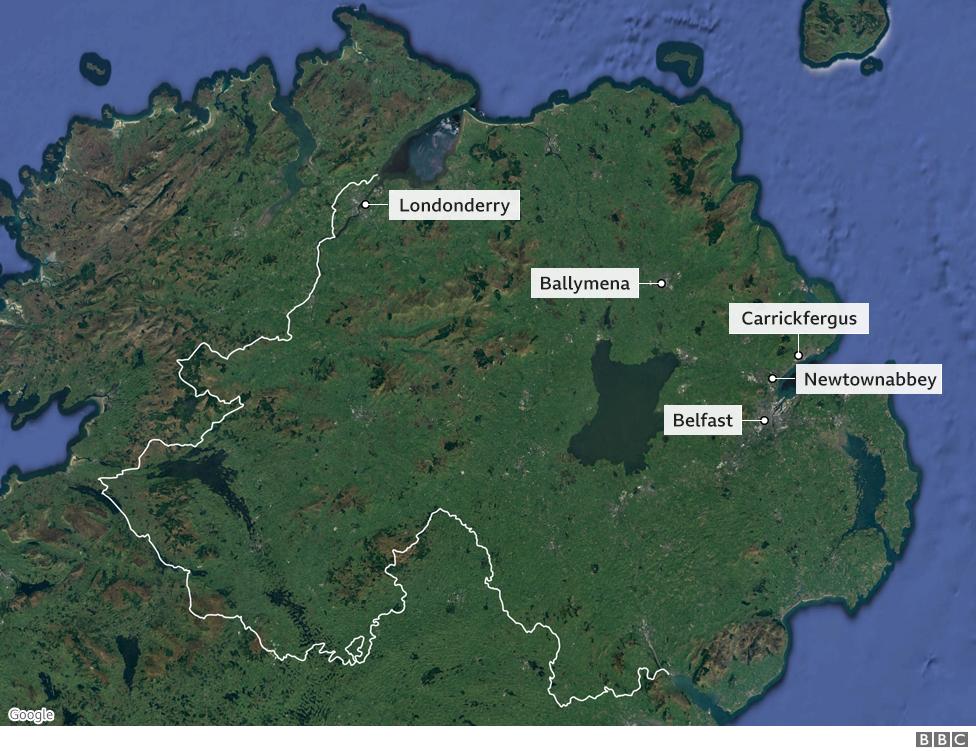 Mapa de Irlanda dle Norte con los lugares en los que hay disturbios