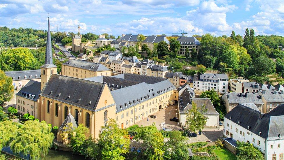 El principado europeo de Luxemburgo ocupa el tercer lugar.