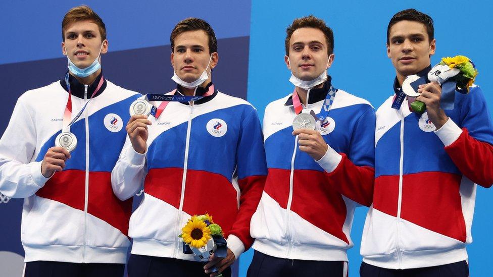 Олимпиада в Токио, день 5: серебро у российских пловцов, Байлз снова не будет выступать, Медведев вышел в четвертьфинал