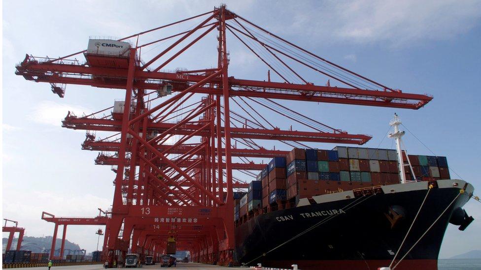 深圳將會有更大自主權,併發展金融、航運業這些香港原本有優勢的行業。