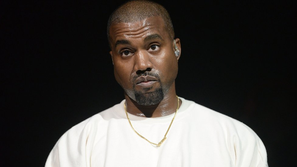 BBC News - Kanye West announces he's distancing himself from politics