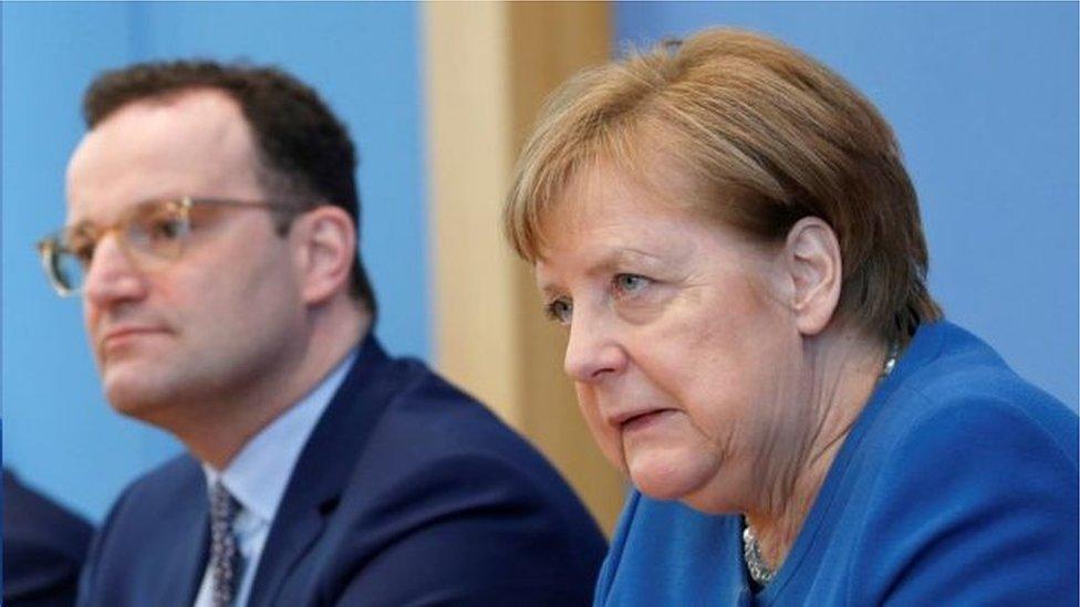 德國總理默克爾曾警告說,最糟糕的情況是70%人口感染新冠肺炎病毒