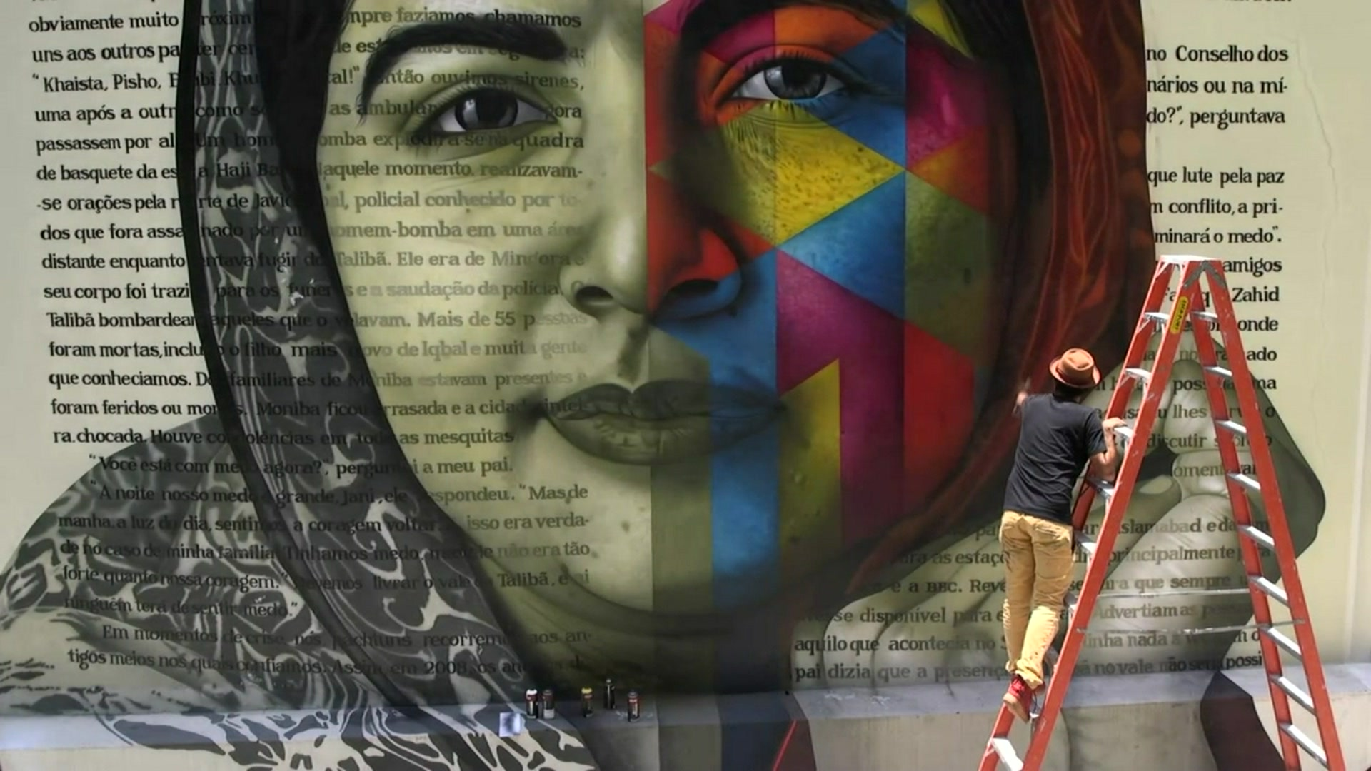 The Brazilian street artist who brings history to graffiti