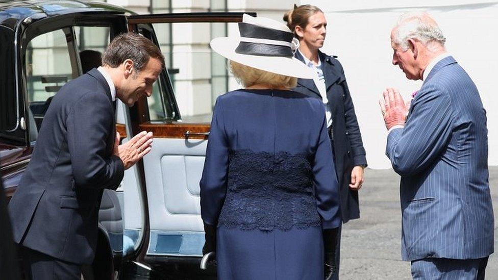 查爾斯王子夫婦迎接來訪的法國總統馬克龍