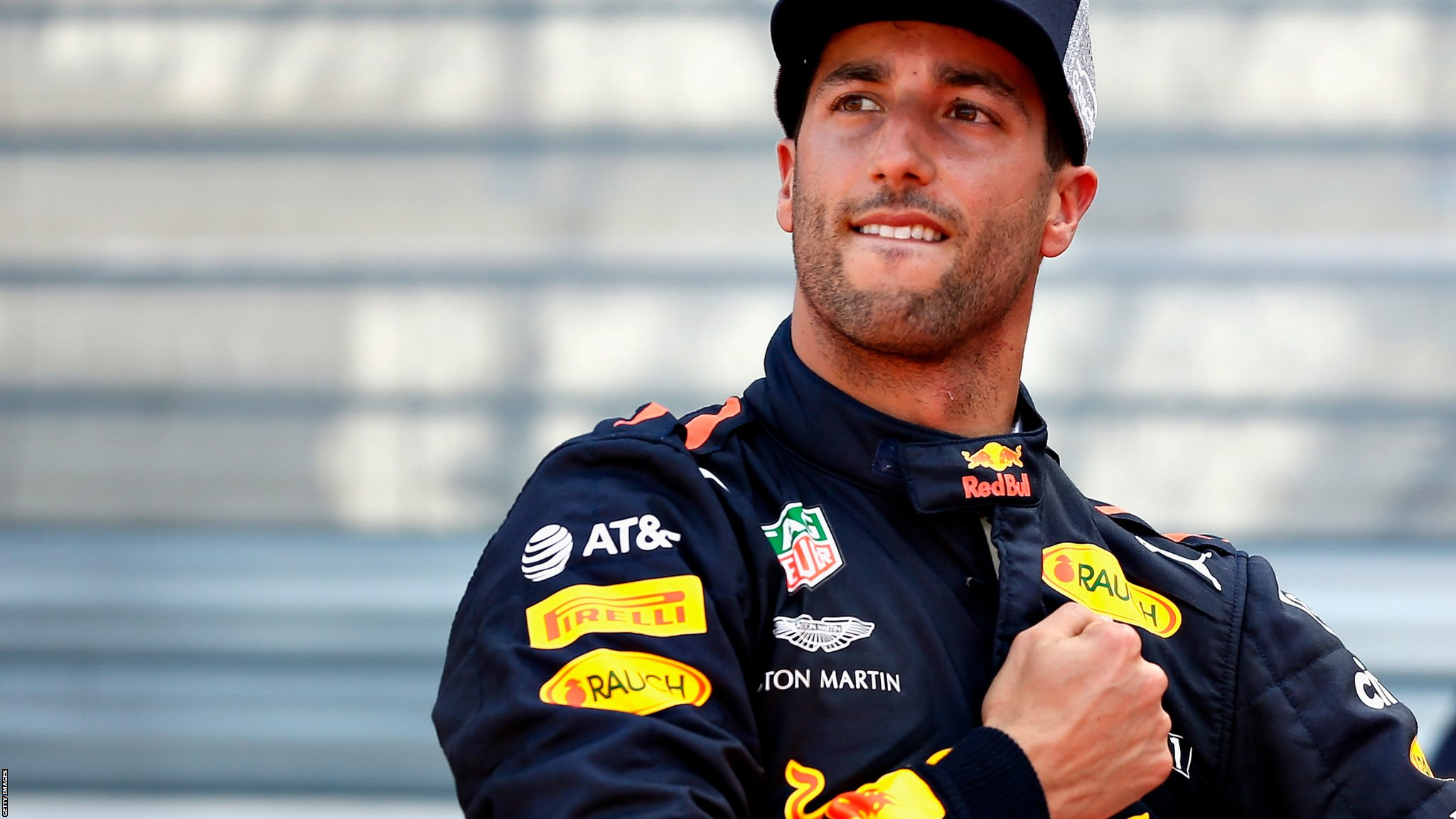 Monaco Grand Prix: Red Bull's Daniel Ricciardo powers to dominant pole